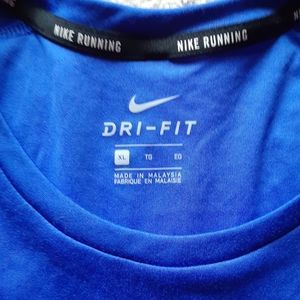 New Nike dry fit t shirt s.XL